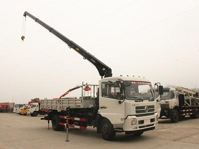 希尔博6.3吨东风天锦随车吊